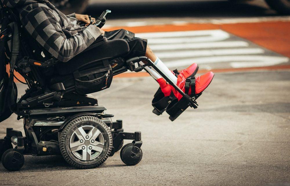 Quel modèle de fauteuil roulant électrique pliable choisir ?